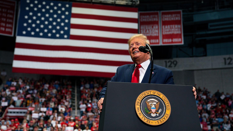 Рейтинг Трампа снижается до 38% среди ключевых групп опрос Gallup