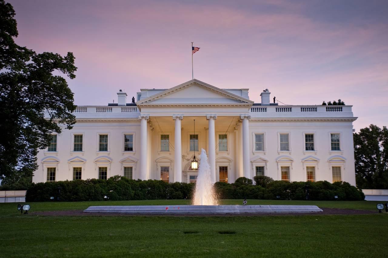 Белый дом отклонил предложение демократов о пакете финансирования антикризисных мер в связи с COVID-19 на $ 2 трлн